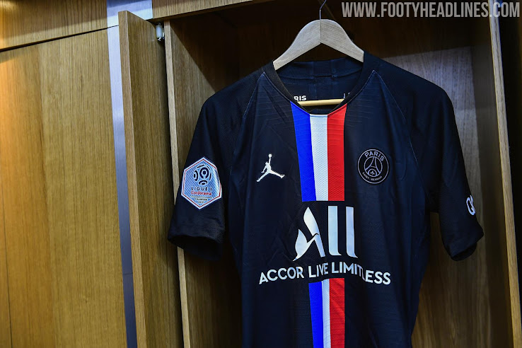 On Pitch Jordan Paris Saint Germain 19 20 Fourth Kit Debuted Footy Headlines