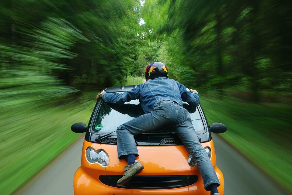 من المسؤول عن حوادث السيارت الذكية