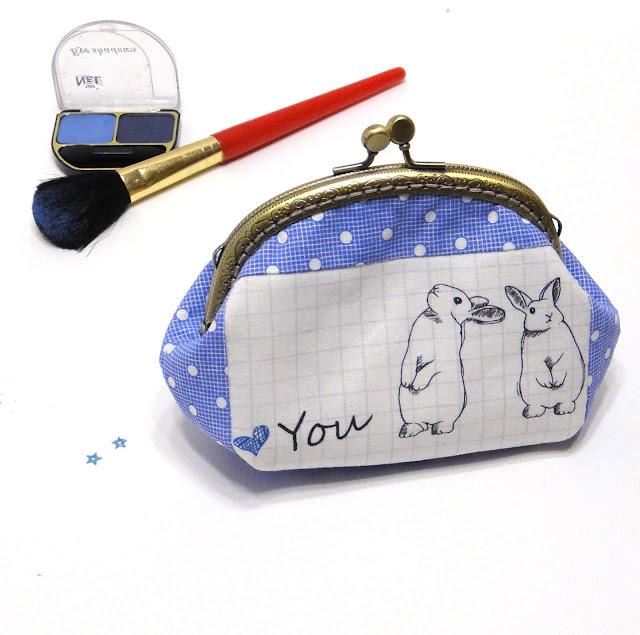 Простой синий кошелек ручной работы Зайчики - подарок девушке с кроликами