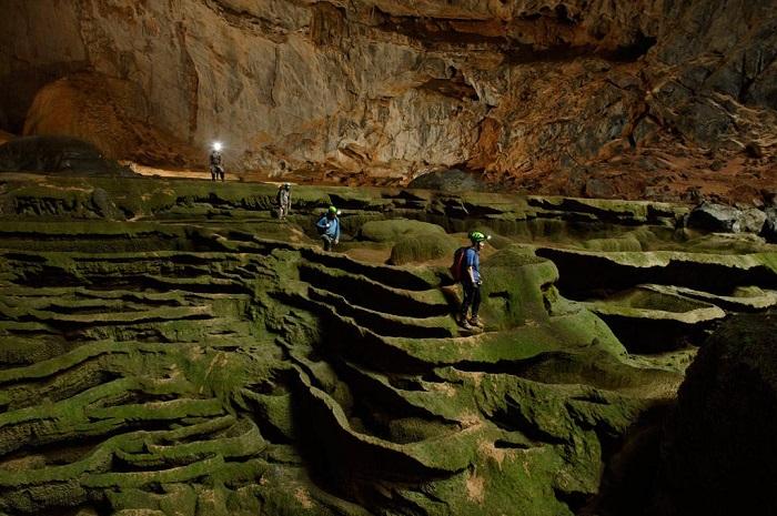 Du lịch khám phá 5 hang động đẹp nhất Việt Nam