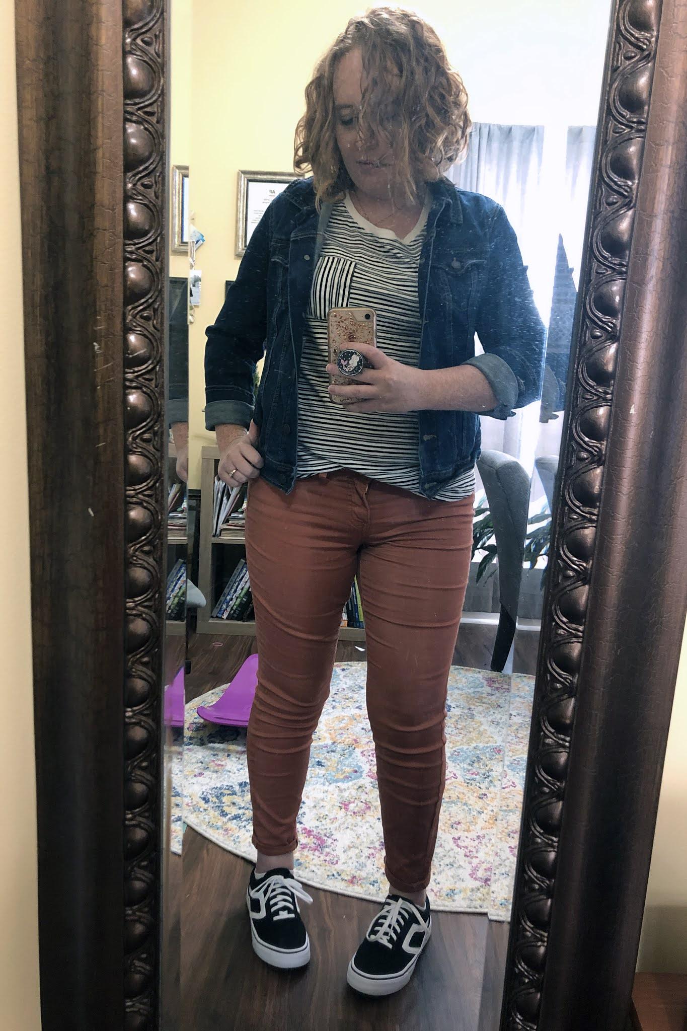 striped tee orange pants