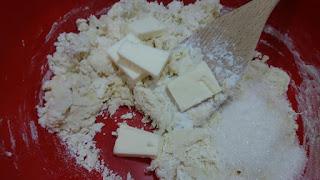 Cách làm bánh mì bơ mềm - bánh mì sừng trâu Crescent roll 1