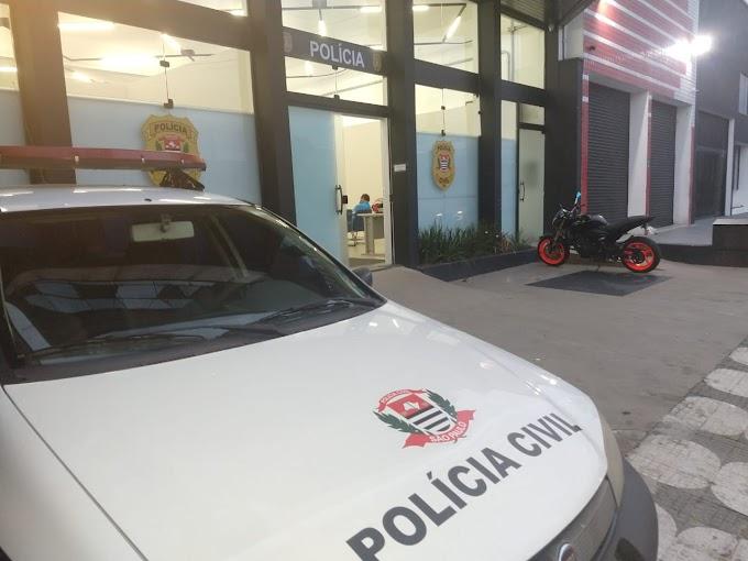 FAMÍLIA MANTIDA COMO REFÉM POR 12 HORAS EM JUNDIAPEBA. JÁ A POLÍCIA CIVIL PRENDE ASSALTANTE DE MOTOCICLETAS NO ITAPETI