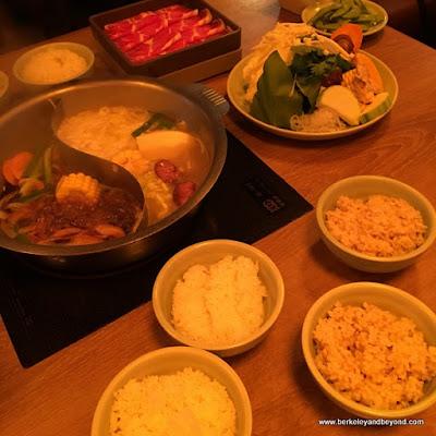 hot pot at Mo Mo Paradise in Taipei, Taiwan
