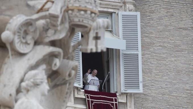 A líbiai helyzet rendezését sürgette Ferenc pápa