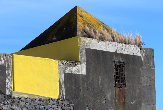 shapes and colors in the fortress