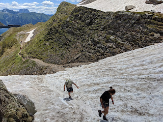A patch snow on the trial between Lago Nero and Lago di Aviasco.