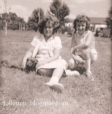 Barbara Davis and Wendy Slade  Shenandoah, VA 1960  http://jollettetc.blogspot.com