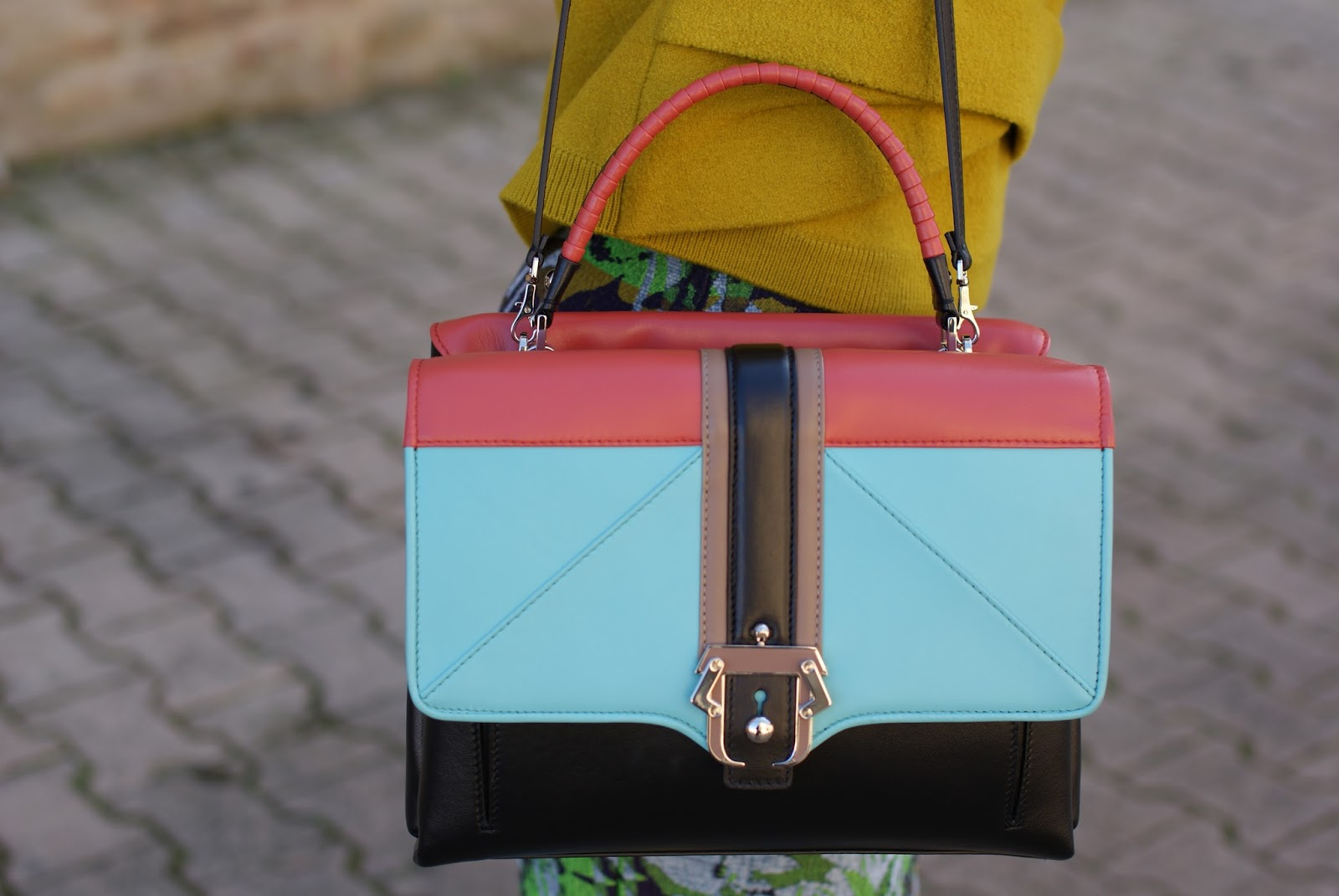 Paula Cademartori Faye color block bag on Fashion and Cookies fashion blog, fashion blogger style
