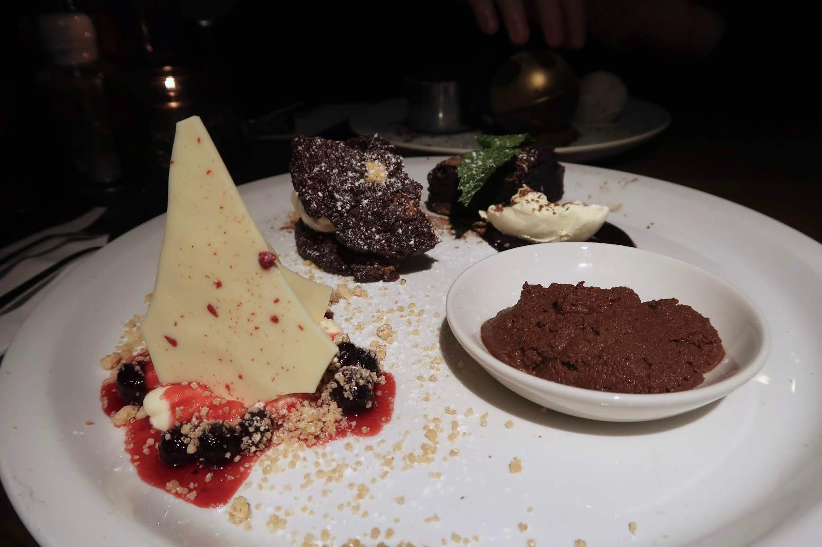 sharing-dessert