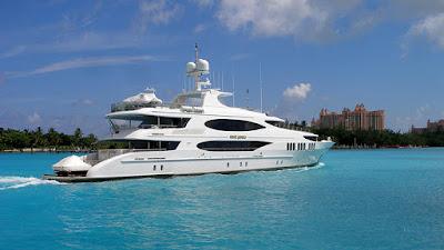 Big yacht going through Nassau harbour.