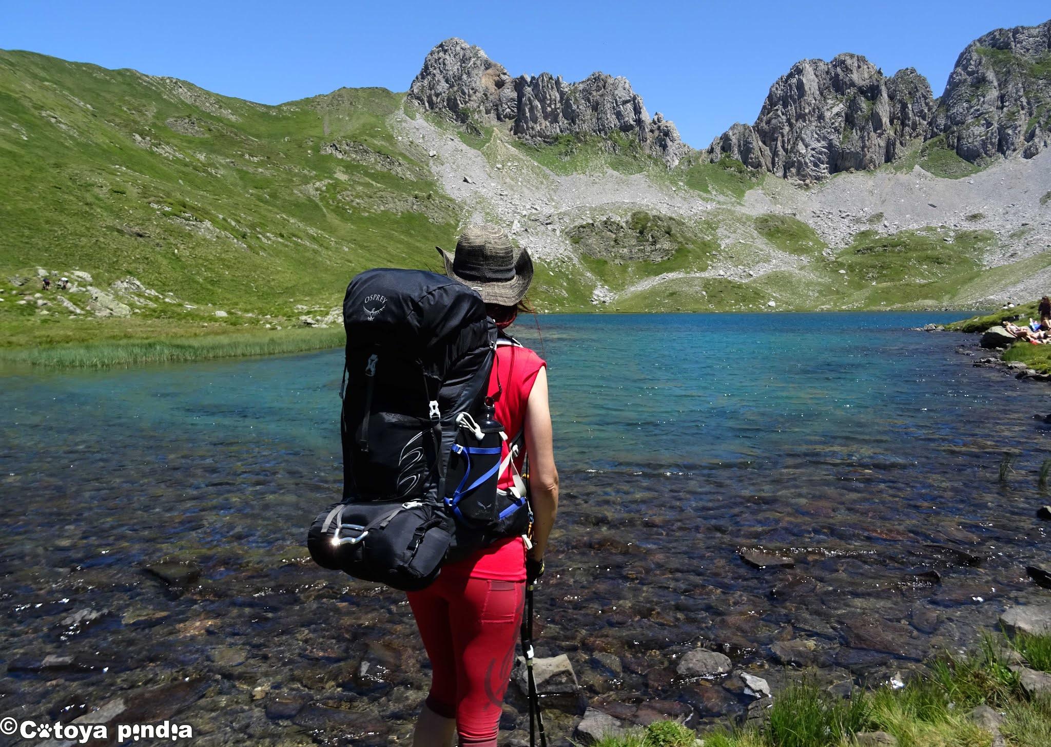 Foto del Ibón de Acherito en el Valle de Hecho en los Pirineos.