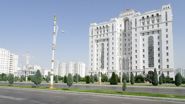 White buildings everywhere in Turkmenistan!