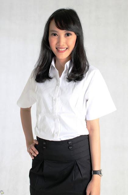 Baju Kemeja Warna Putih Untuk Wanita Kasual