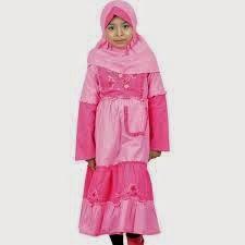 foto cantik anak kecil memakai busana muslim