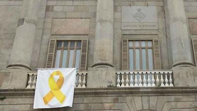 lazo, amarillo, colau, apoyo, presos, independencia
