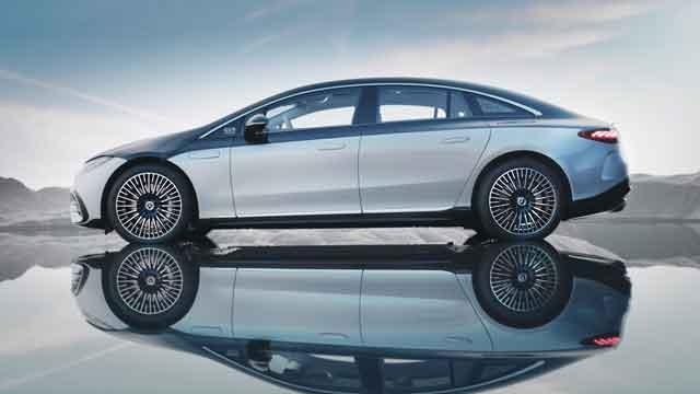 التصميم الخارجي لسيارة مرسيدس-بنز EQS 2022