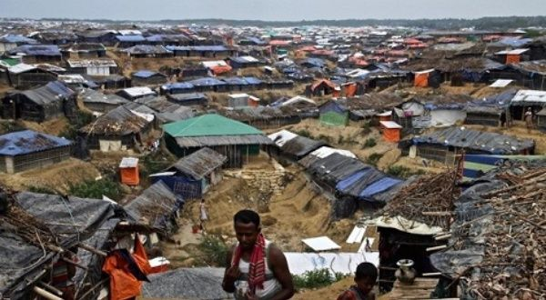 Bom Waktu Kelaparan dan Corona pada Penyintas Rohingya