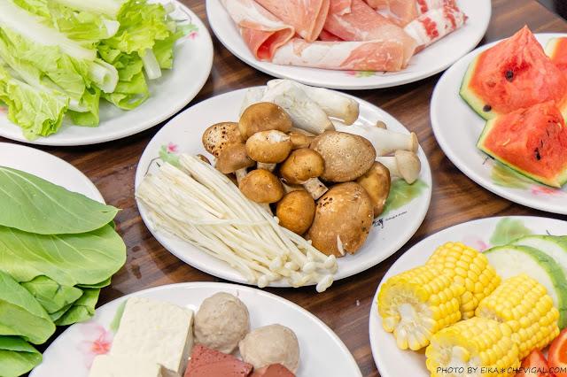MG 4146 - 熱血採訪│台中吃到飽只要250元就能享有火烤兩吃!搬家後人潮一樣超級多,還有水果、飲料、冰淇淋任你吃