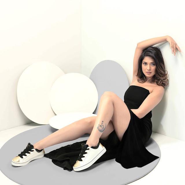 jennifer winget hd wallpaper behad, whatsapp dp images, actress photos, actress dp,