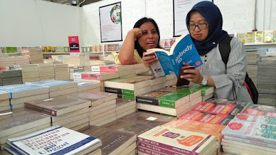 buka gudang buku murah gramedia