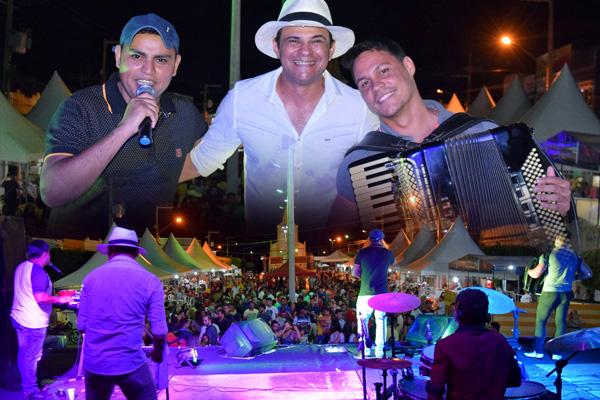 Rimas em Canto e Vozes do Forró alegraram a noite com forró de qualidade na última terça-feira (15) na Festa de Janeiro de Iguaracy