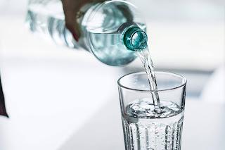 Trik Mudah dan Tips Praktis Cara Tampil Cantik Alami  Dengan Rajin Minum Air Putih