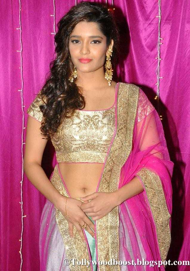 Ritika Singh At Zee Telugu Apsara Awards 2017 In Pink Dress