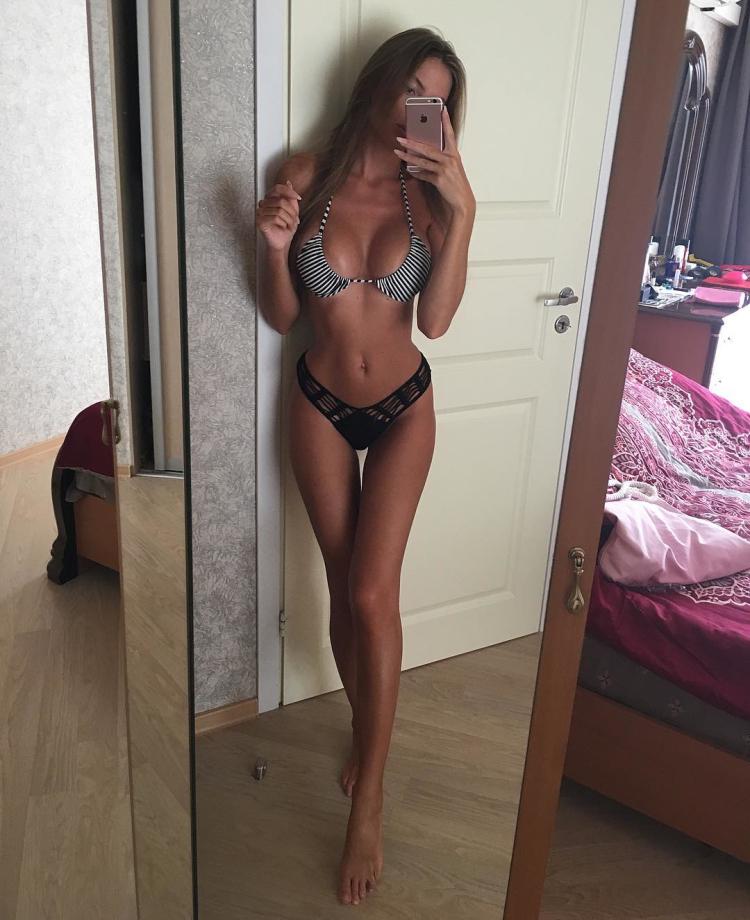 Anastasia Skyline Russian fitness model