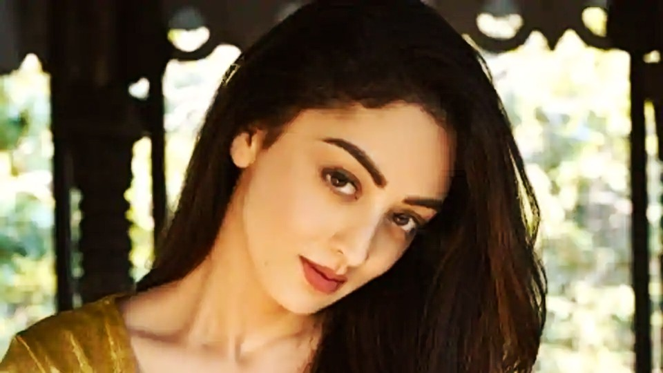 Actors gossips: Sandeepa Dhar Id wish to dig my teeth into substantial stuff instead of regular song and dance, and the web is giving me those chances