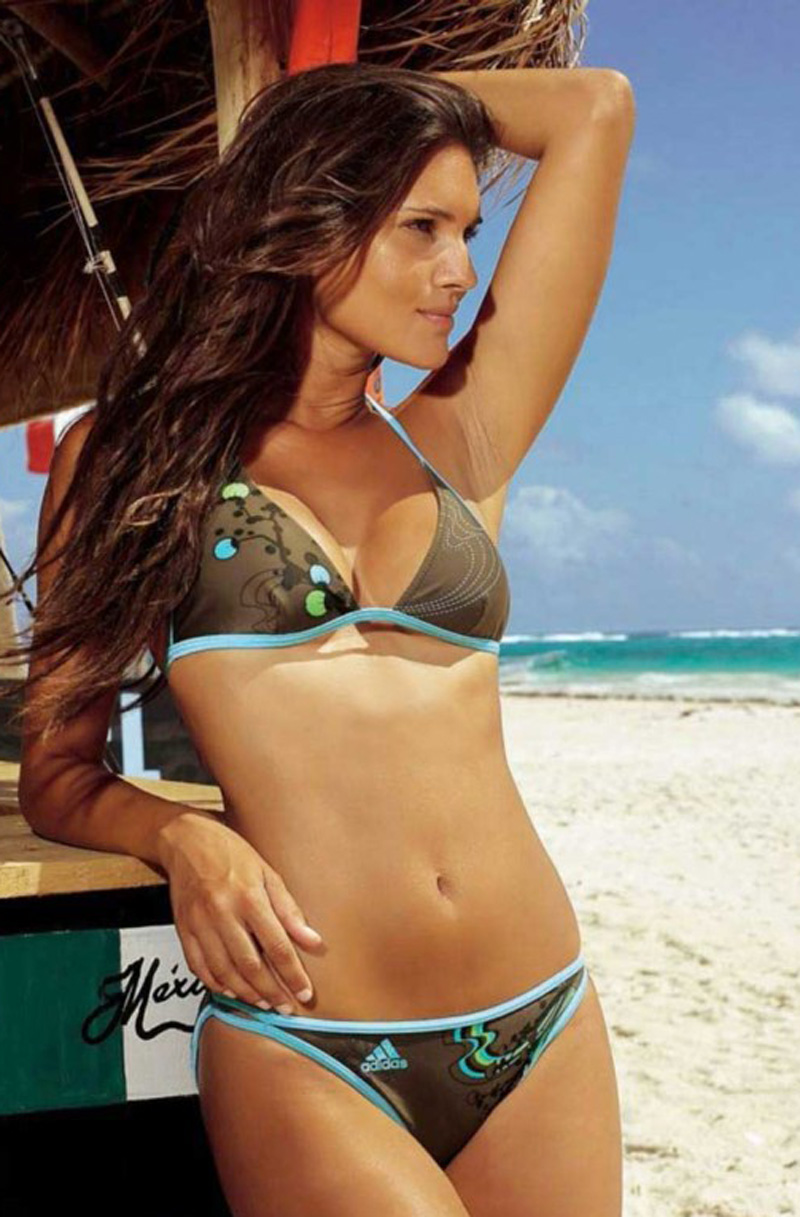 "Brazilian Girls: Brazil Bikini Girls ""O"""