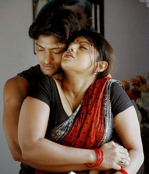 ReView: Thurogam Nadanthathu Enna Tamil Movie Review