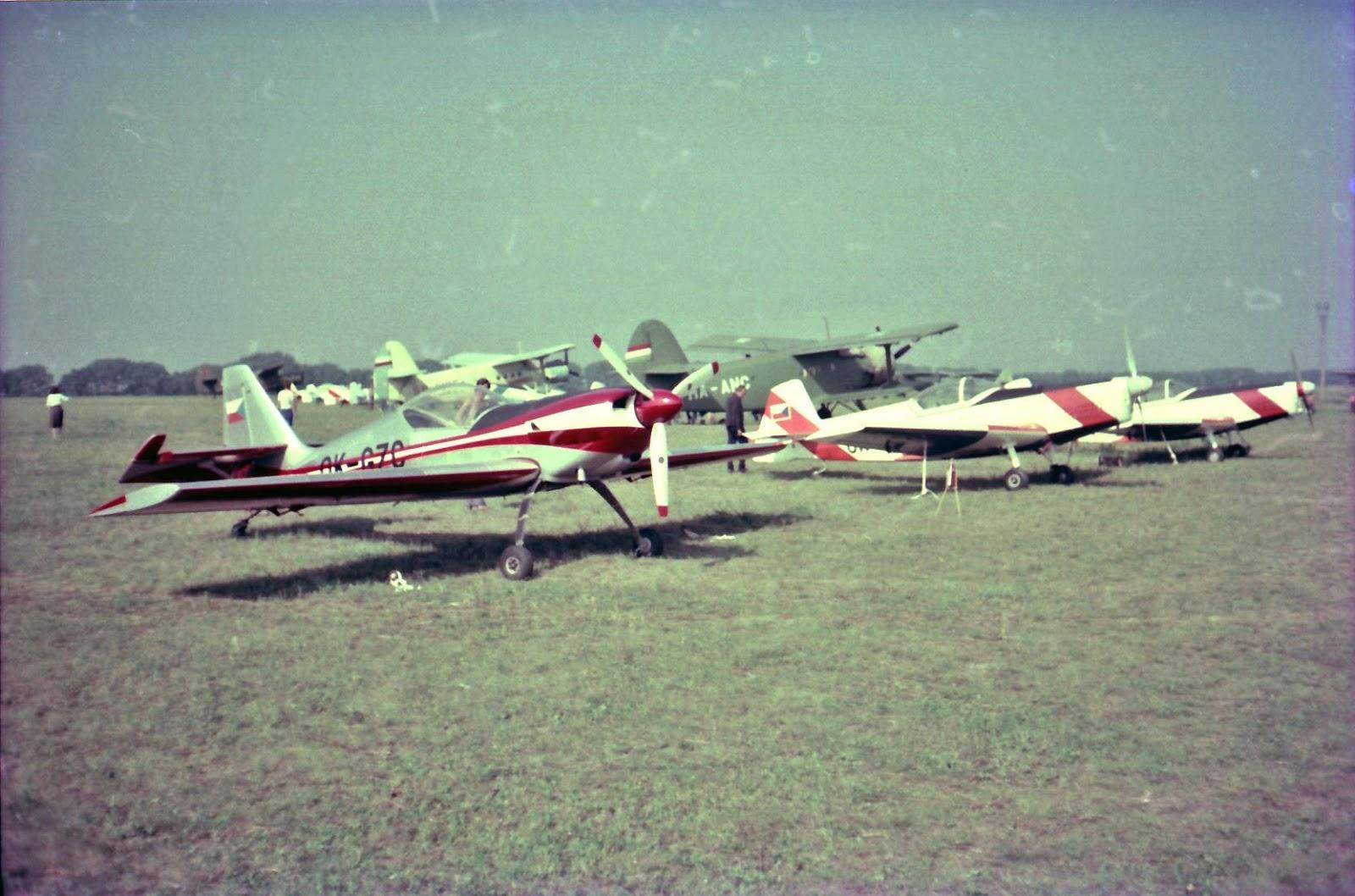 Curtis Pitts Special 3er set//avion//Aircraft//yakair remove bevore Flight