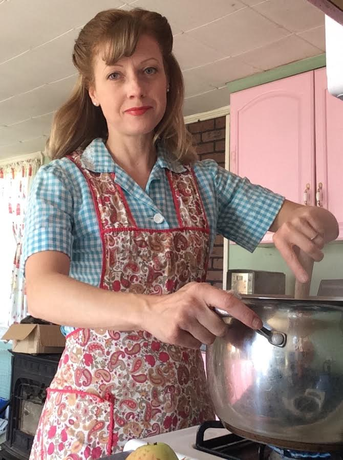 Modern Life Of A Vintage Housewife Vintage Farmhouse Wild Apple Sauce