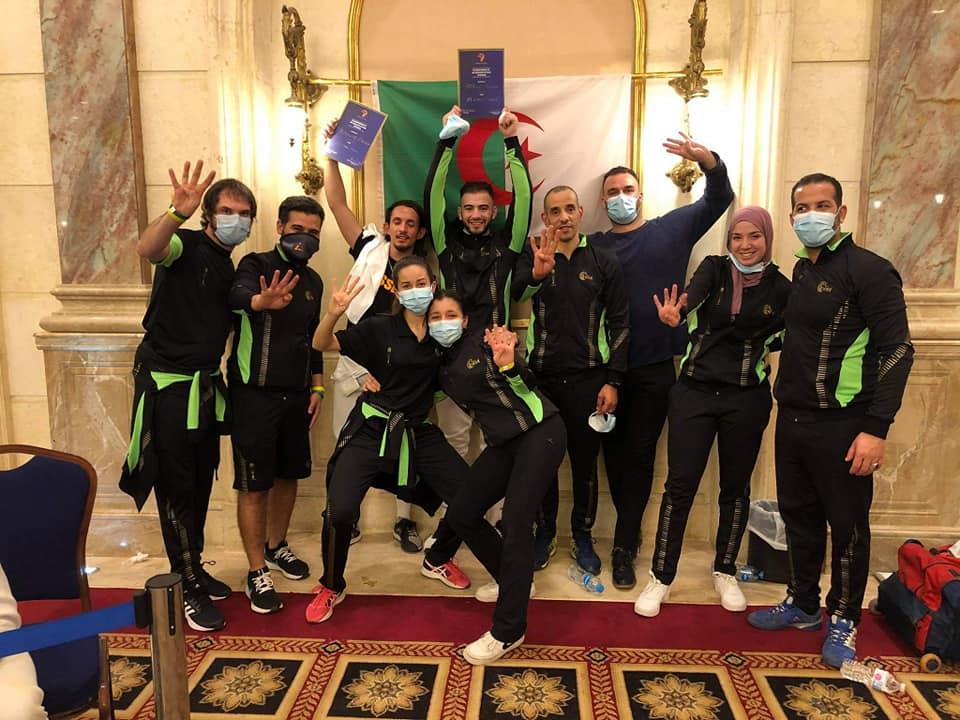 Time argelino comemora classificação Algerian Fencers celebrate Tokyo Qualification