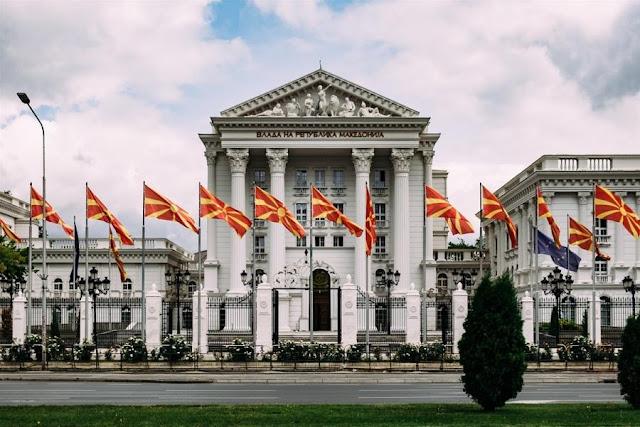 Εκλογές στα Σκόπια: Η επιστροφή του αλβανικού Αετού