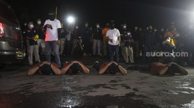 Dibantai! Komnas HAM: 4 Pengawal Habib Rizieq Ditembak Mati Sekaligus