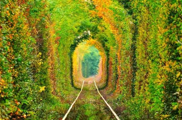 Tunel del Amor, Rumanía