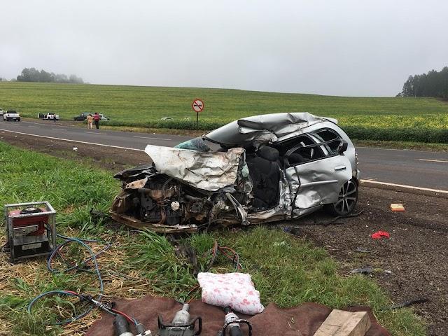 Motorista morre após acidente entre carro e caminhão na PR-182, em Realeza