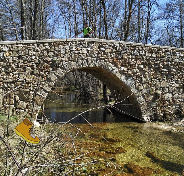 Puente romano sobre arroyo Jóbalo