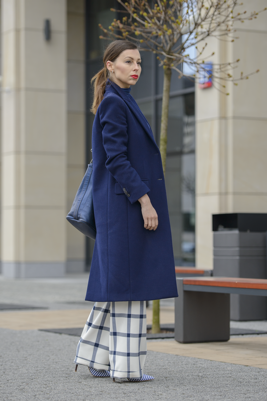 navy blue coat outfit
