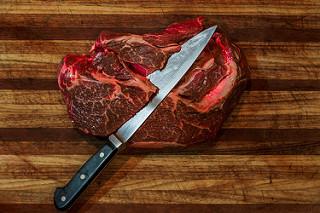 Cara Enak dan Sehat Memakan Daging