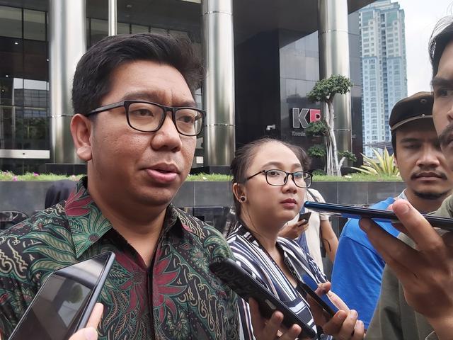"""Jokowi """"Selamatkan"""" 75 Pegawai KPK, ICW Akan Semakin Keras Hantam Firli Bahuri!"""