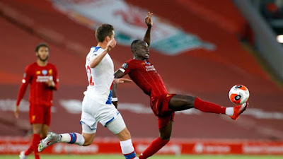 Video Liverpool 4-0 Crystal Palace: Đại tiệc bàn thắng, chạm một tay vào ngôi vương