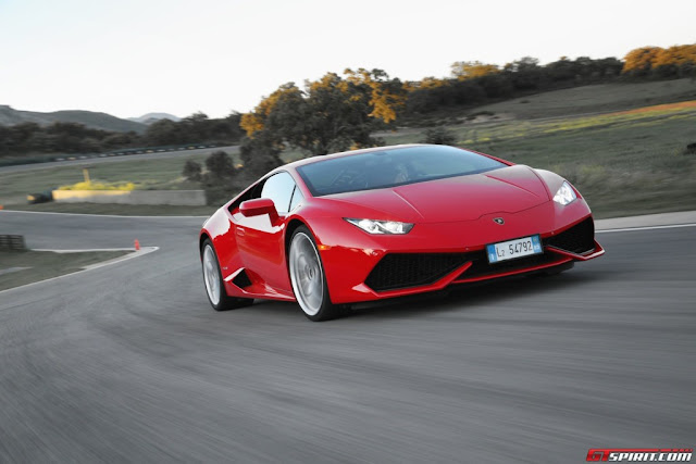 2015-Lamborghini-Huracan-Red-Wallpaper-Background