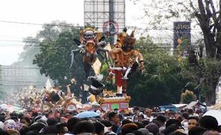 Arak Ogoh Ogoh Jelang Nyepi Ritual Penetralan Alam Semesta
