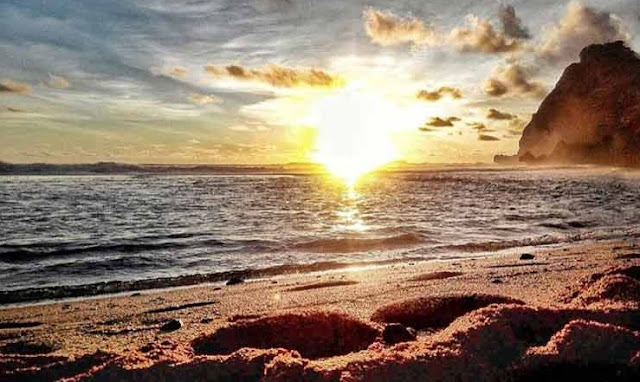 sunset-pantai-nguyahan