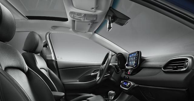 Hyundai i3 2017 - Interior y asientos de cuero negro oceánides