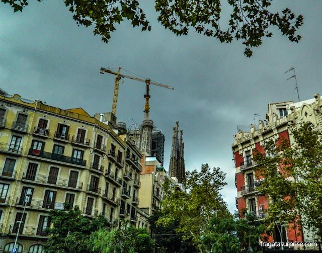 Torres da Basílica da Sagrada Família, no Eixample, Barcelona