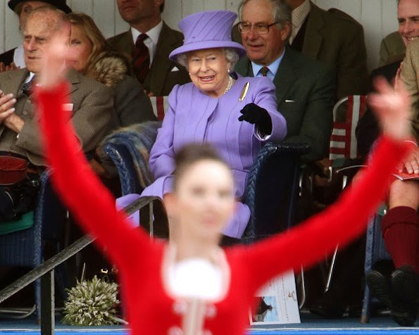 Queen-Elizabeth-5.jpg
